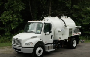 Freightliner M2 with 2000 Gallon Aluminum Portable Restroom Tank #18V074